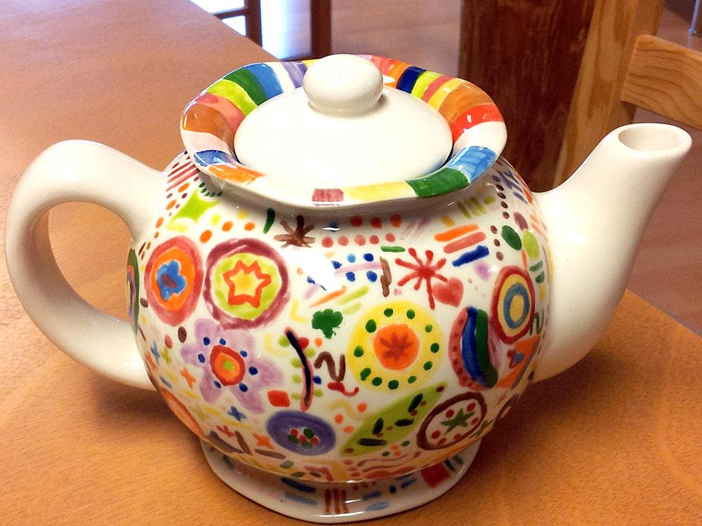 Nostalgische Teekanne von Julia bemalt